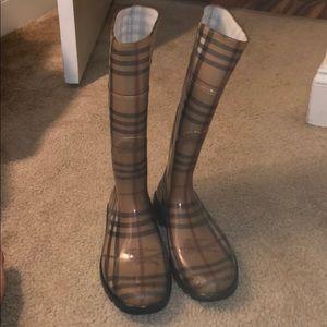 Burberry rain/snowboots